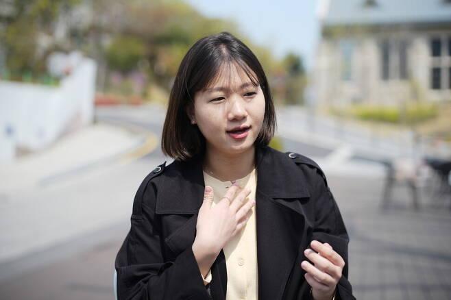 박성민 전 더불어민주당 최고위원이 11일 서울 성북구 안암동 고려대 캠퍼스에서 <한겨레>와 인터뷰를 하고 있다.