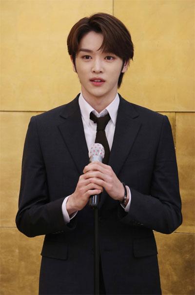 올해 M클린 홍보대사로 발탁된 K팝 대표 보이그룹 NCT 멤버 성찬 씨가 소감을 밝히고 있다. [사진 = 한주형 기자]