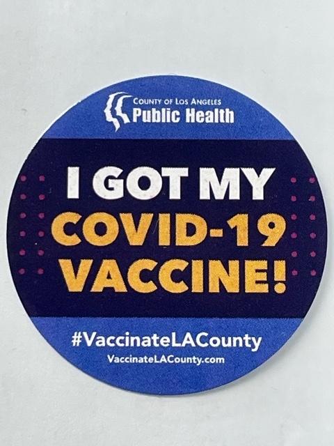 코로나19 백신 접종자에게 로스앤젤레스 카운티 공중보건국이 제공하는 스티커.