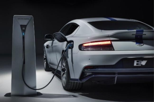 최신 시장 조사 보고서에 따르면 전기차(EV) 시장이 연평균 37.1% 성장해 2028년 1조9000억 달러 규모로 확대될 것으로 전망했다.