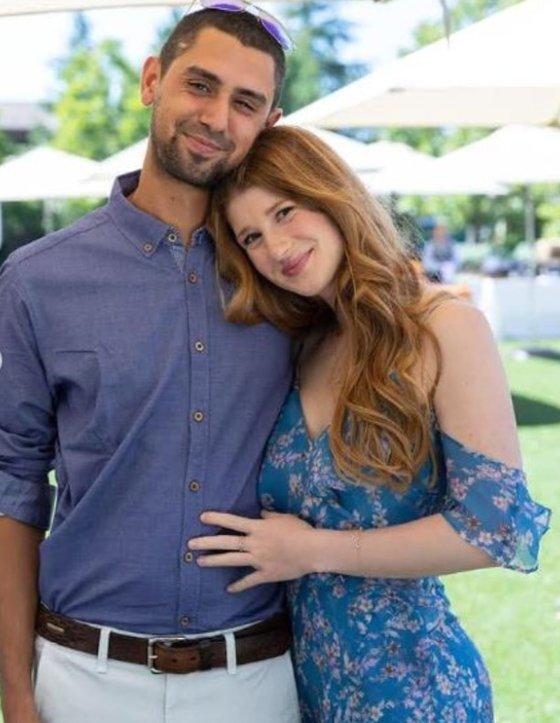 제니퍼와 그의 약혼자 나세르. 두 사람은 지난해 약혼했다. [나엘 나세르 인스타그램 캡처]