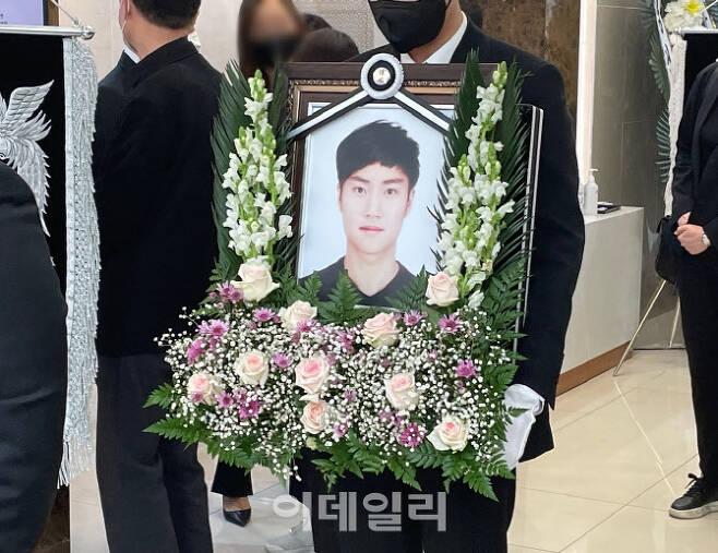 서울 반포한강공원에서 실종된 지 닷새 만에 숨진 채 발견된 손정민(22)씨의 발인이 지난 5일 서초구 한 장례식장에서 진행됐다. (사진=공지유 기자)