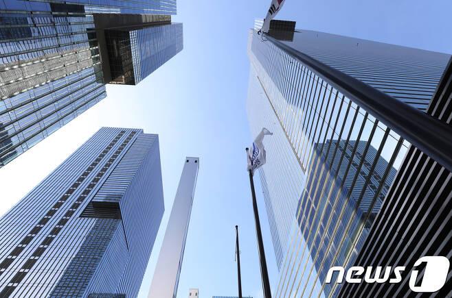 사진은 서울 서초구 삼성 서초사옥. 2017.8.25/뉴스1 © News1 송원영 기자