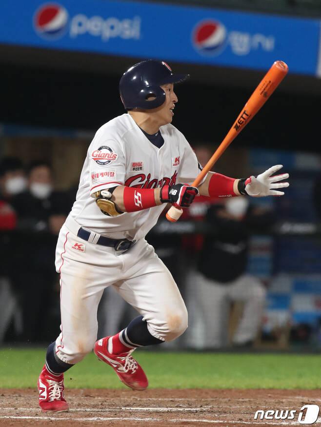 손아섭은 래리 서튼 감독 부임 후 타율 0.417 OPS 0.917을 기록하고 있다. © News1 여주연 기자
