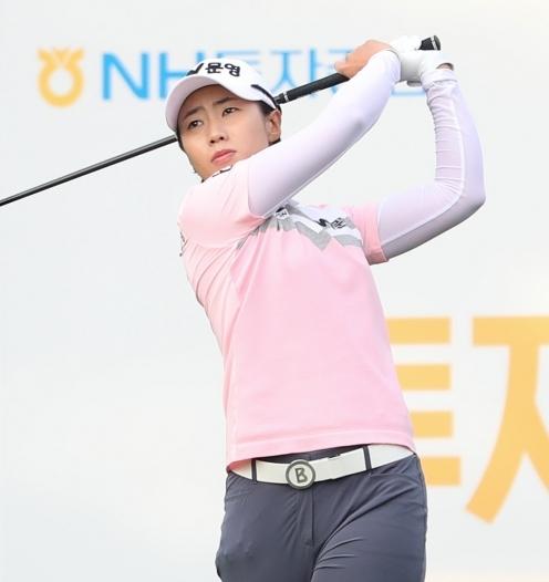 2021년 한국여자프로골프(KLPGA) 투어 NH투자증권 레이디스 챔피언십 우승 경쟁에 가세한 안나린 프로. 사진제공=KLPGA