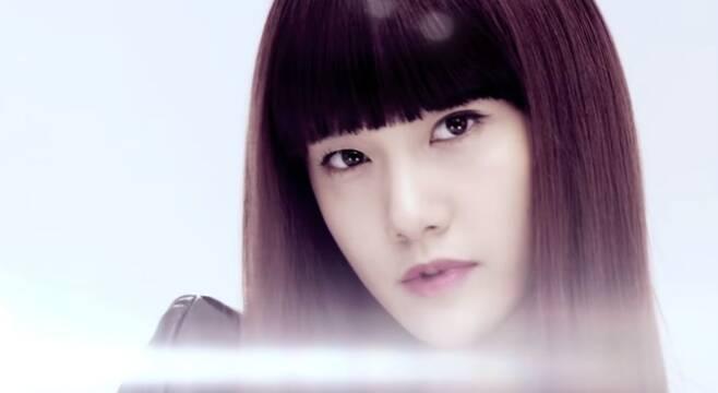 출처: 'Run Devil Run' 뮤직비디오 캡처