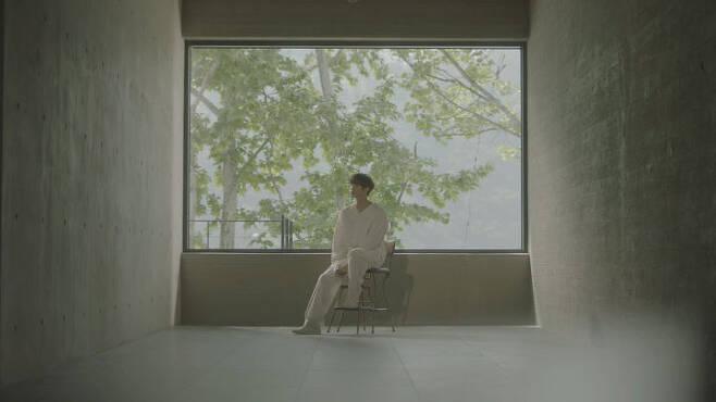 출처: 허영생 'Moment' 뮤직비디오 캡처