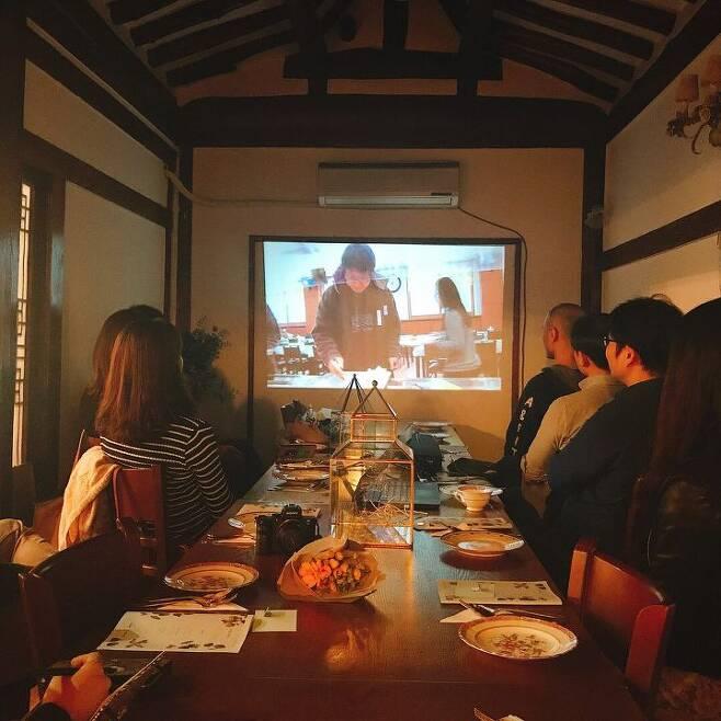 출처: 비로소채식모임에서 상영 중인 영화 '잡식가족의 딜레마'