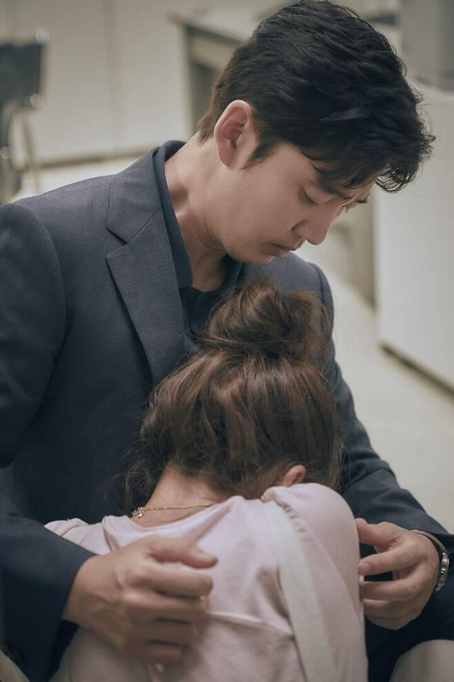 출처: 드라마하우스, JYP픽쳐스