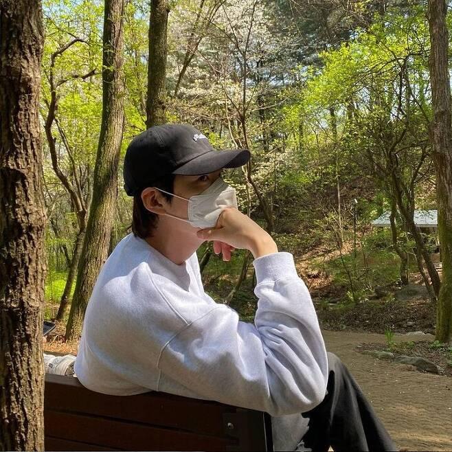 출처: 김우빈 인스타그램 (@____kimwoobin)