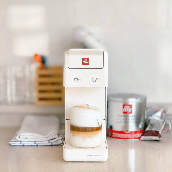 출처: <일리 커피 머신> 제품 정보 보러 가기 (▲이미지 클릭)