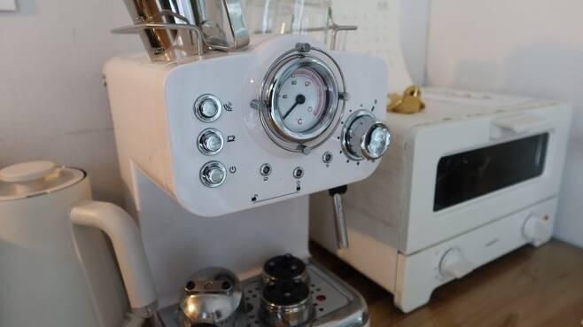 출처: 사진 속 <커피 머신> 제품 정보 보러가기 (▲이미지 클릭)