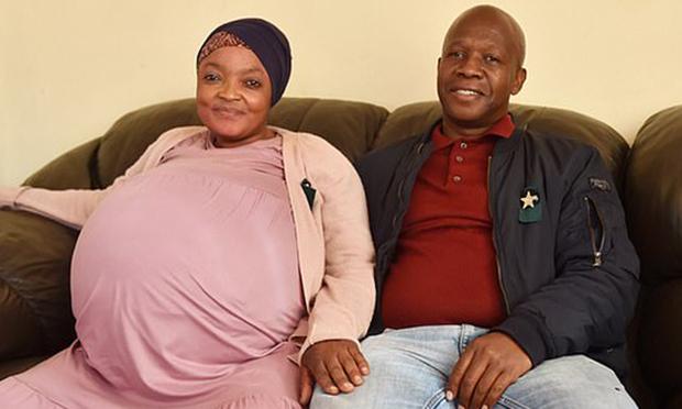 일단 남아공에서 태어난 열 쌍둥이의 건강 상태나 현재 모습 등은 아직 공개되지 않았다. 출산 사실이 공식적으로 인정되고 열 쌍둥이가 모두 살아남으면 자연 임신으로 태어난 세계 최다 쌍둥이 기록은 또 한 번 갈리게 된다.