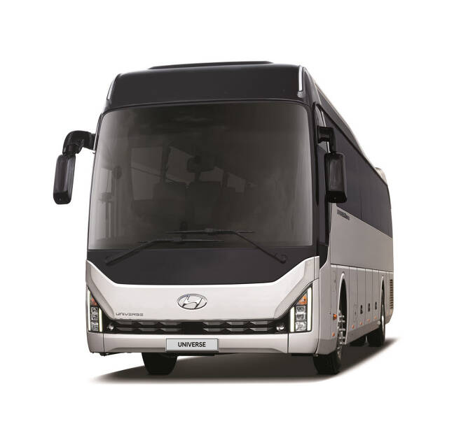 고속버스로 사용되는 현대차 유니버스.