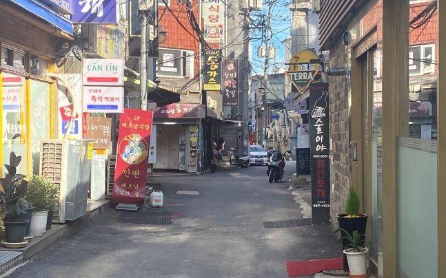 21일 한국외대 인근 식당 골목 ⓒ데일리안