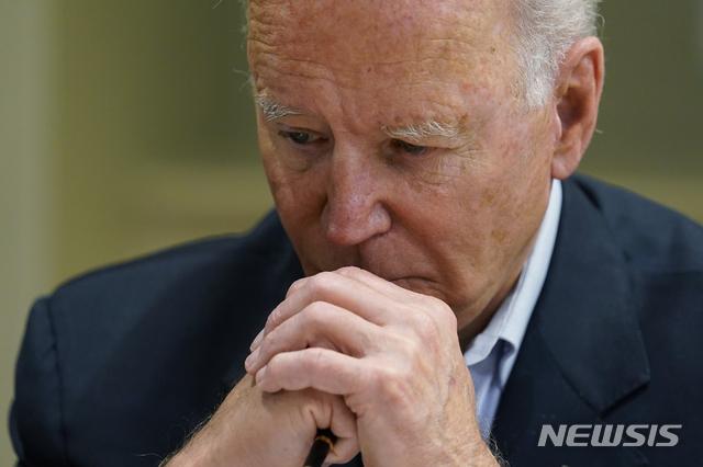 [마이애미비치=AP/뉴시스]심각한 표정의 조 바이든 미국 대통령. (사진=뉴시스DB) 2021.07.22.