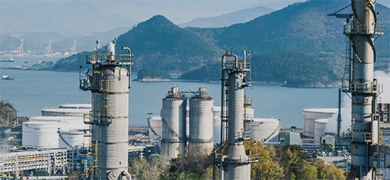 코로나19로 생활쓰레기가 급증하고 중국이 폐기물 수입을 전면 금지하면서 폐기물 처리 기업들의 몸값이 높아지고 있다. 사진은 KG ETS의 폐기물 처리시설. <KG ETS 제공>