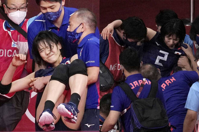 일본 배구선수 코가 사리나가 부상을 입었지만, 경기장 내에 들것이 들어오지 않아 코치가 손으로 선수를 옮기고 있다. 해당 SNS·일본 매체 'sponichi' 캡처