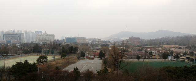 서울 용산구 국립중앙박물관에서 바라본 용산 미군기지 모습. 뉴스1