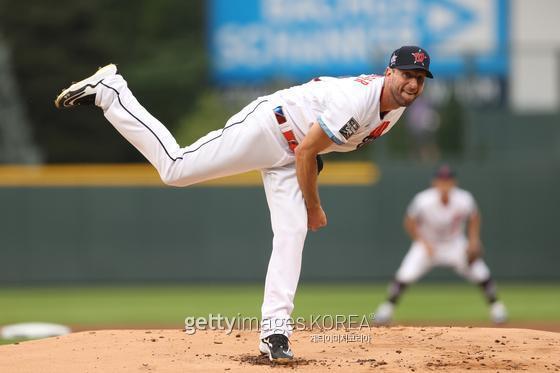 맥스 슈어저가 LA 다저스 유니폼을 입었다. 게티이미지