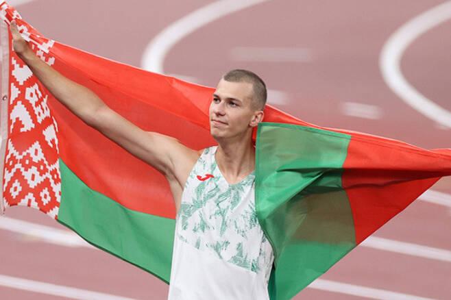 벨라루스의 육상 국가대표 막심 네다세카우가 지난 1일 높이뛰기 종목에서 동메달을 획득했다. 벨라루스 매체 'BELTA' 캡처