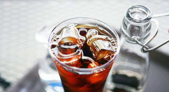 커피 속 카페인 성분은 운동의 효율과 능력을 높이는 효과를 준다. ⓒpixabay