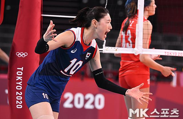 김연경은 터키전 28득점을 기록해 대한민국의 4강 진출을 확정지었다.