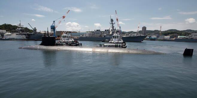 코네티컷함은 미 해군 공격원잠 가운데 최강 성능을 자랑하는 시울프급의 2번함으로 이례적으로 도쿄올림픽 기간 중 일본을 방문했다. 사진=미 해군