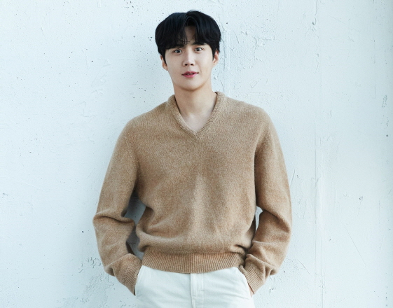 [단독]김선호, 박훈정 감독 신작 '슬픈열대'로 스크린 데뷔