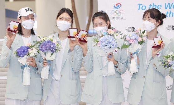 도쿄올림픽에서 돌아온 뒤 은퇴를 밝힌 김연경, 양효진, 김수지, 박정아. [연합뉴스]