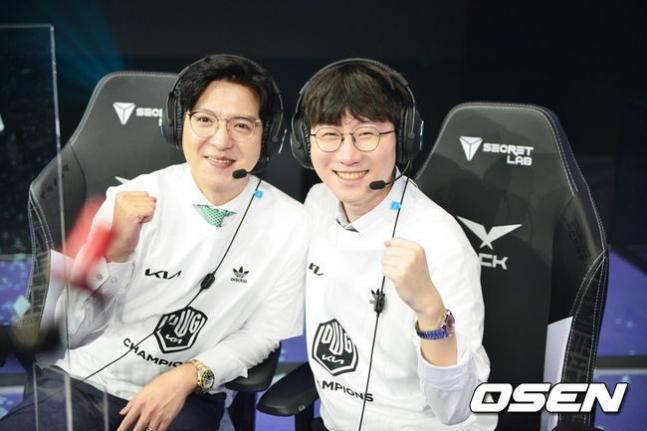 김정균 감독(왼쪽)과 양대인 전력분석관.