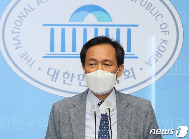 우상호 더불어민주당 의원. 2021.6.8/뉴스1 © News1 구윤성 기자