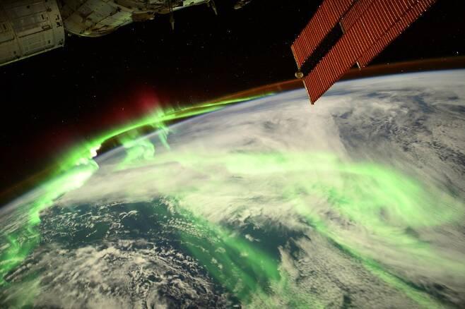 토마스 페스케가 촬영한 오로라의 모습. 사진=ESA/NASA-T. Pesquet