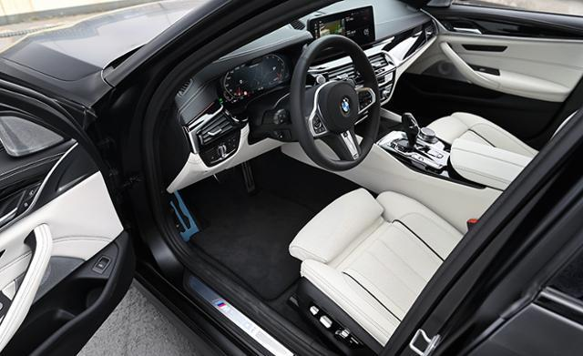 BMW M550i xDrive 자유로 연비