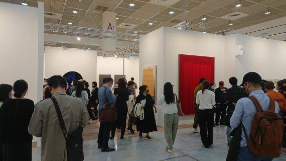 13일 KIAF2021 국제갤러리 부스 /사진=fnDB